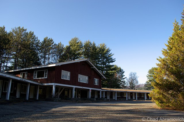 Abandoned Motel at the entrance to Frontier Town